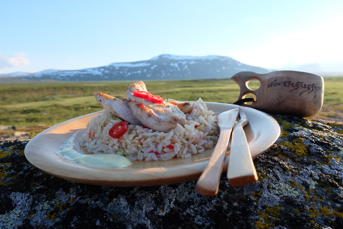 chicken-with-rice-high-clss-outdoor-food-fly-fishing