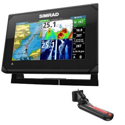 Simrad go7 XSE fish finder