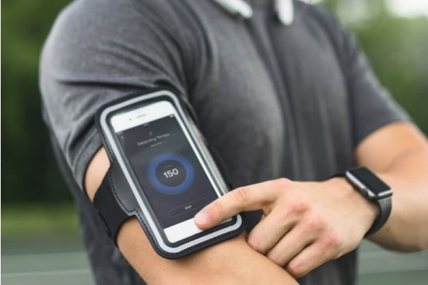 Best iPhone Armbands Reviewed 2018 GearWeAre